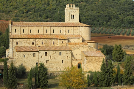 antimo: St. Antimo Abbey Editorial