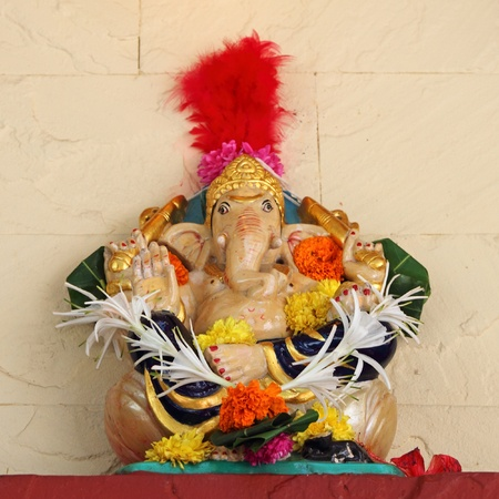 figure of hindu god Ganesha in front of the temple, Mumbai, India, Asia Stock Photo - 11849100
