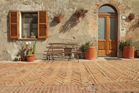 cobbled: nice entrance to the tuscan house, Sovana, Tuscany, Italy, Europe Stock Photo