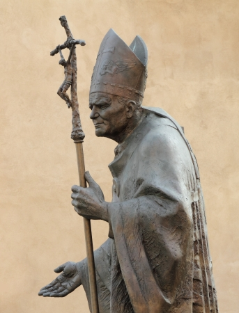 ii: Statue of  Pope John Paul II  by Zemla ( Blessed John Paul or John Paul the Great,Papa Giovanni Paolo II, Karol Jozef Wojtyla )  on Wawel  in Krakow, Malopolska, Poland, Europe Stock Photo