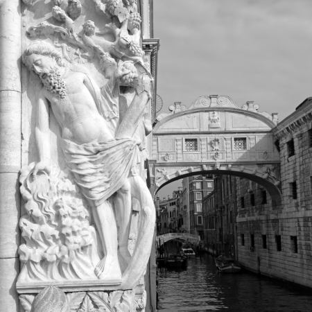 noe: Drunkenness of Noah, relief sculpture by Filippo Calendario on  Doges Palace; Bridge of Sighs in the background; seen from Ponte della Paglia, Venice, Italy, Europe