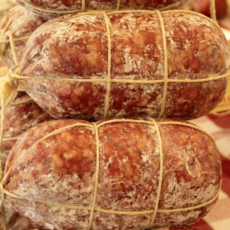 charcuter�a: populares charcuter�a italiana en el mercado de la Toscana, Florencia