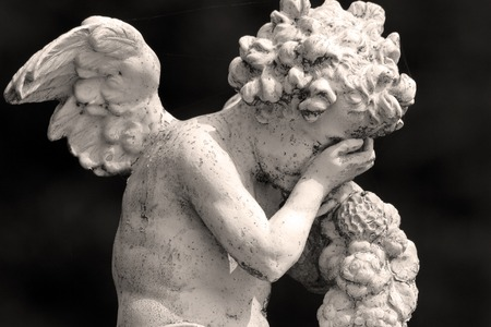 angel cemetery: crying cemetery angel