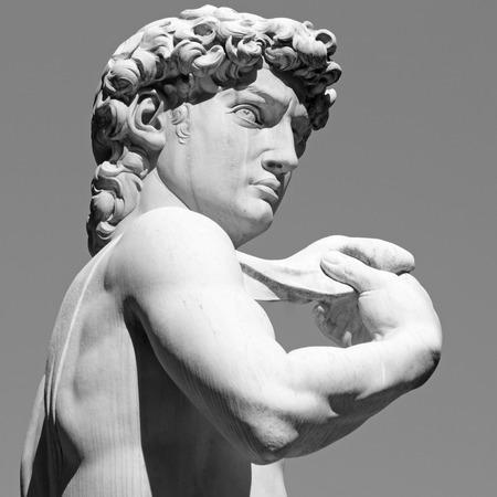 ミケランジェロの有名なルネッサンス期のイタリアの彫刻、フィレンツェ、トスカーナ、イタリアの David