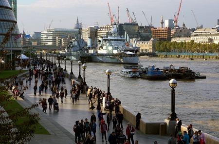 southwark: LONDON - OCTOBER 11 2015: South Bank Riverside Scene, Southwark, London