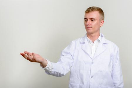 healthcare worker: Healthcare worker presenting
