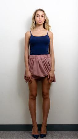 full length: Full length picture of blonde woman