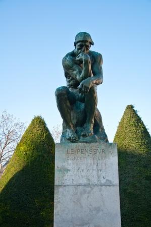pensador: El Pensador de Rodin Foto de archivo