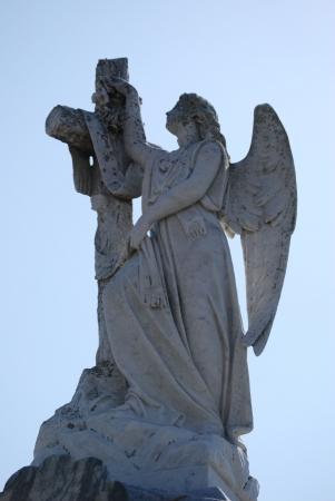 angel cemetery: New Orleans Cemetery Cross Angel 2