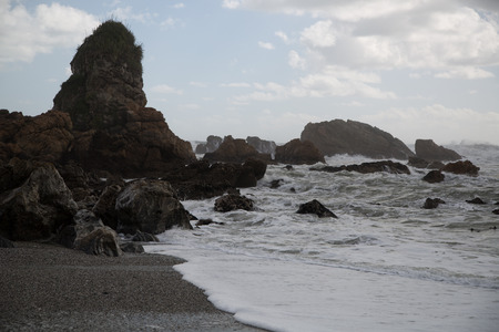 wzburzone morze: Szorstkie morze, szorstki wody na wybrzeżu Zdjęcie Seryjne