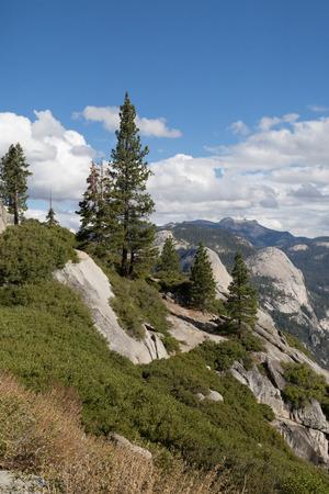Panorama of Yosemite Valley 版權商用圖片 - 53301895