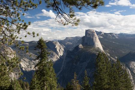 Half Dome in Yosemite Valley 版權商用圖片