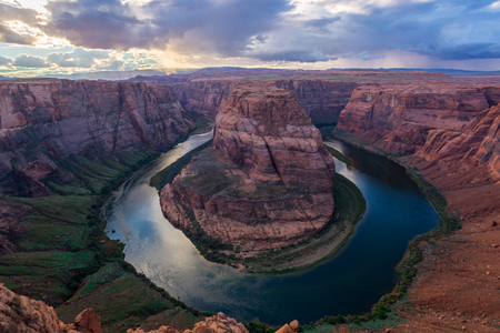 Horse Shoe Bend, Colorado River 版權商用圖片 - 53620224