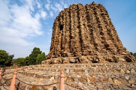 Alai Minar is an unfinished, incompleted monument within the Qutb Minar complex in New Delhi. 스톡 콘텐츠