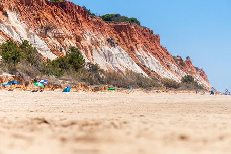 praia: Cliffs at Praia da Falesia, Algarve, Portugal