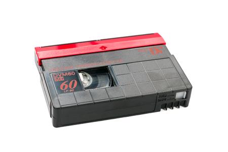 videocassette: MiniDV cinta de v�deo aislado en fondo blanco con trazado de recorte