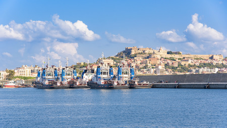 Tugs in the port of Milazzo, Sicily, Italy 스톡 콘텐츠