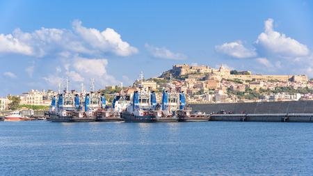 Tugs in the port of Milazzo, Sicily, Italy Archivio Fotografico