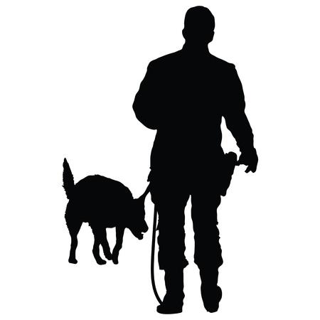 Silhouet van een politieagent training met zijn hond partner Stockfoto - 21971185