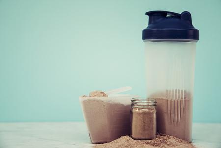 Double chocolate whey protein powder scoop nutrition healthy food bodybuilding. Zdjęcie Seryjne