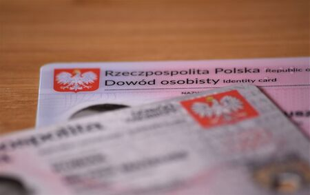 Polish old and new ID cards, translation of description: