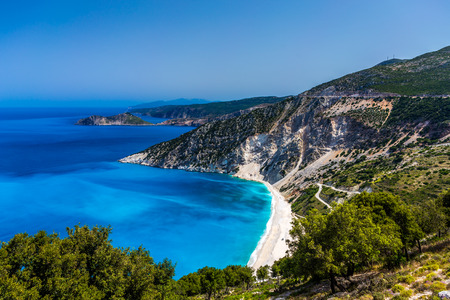 Toneel mening van Myrtos strand, Kefalonia Stockfoto - 36057989