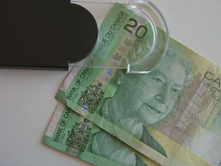 Magnify Money 版權商用圖片