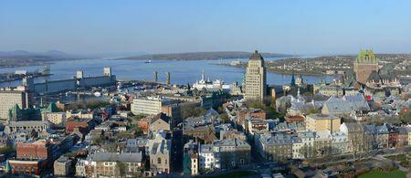 Panoramisch zicht van de historische stad Quebec.
