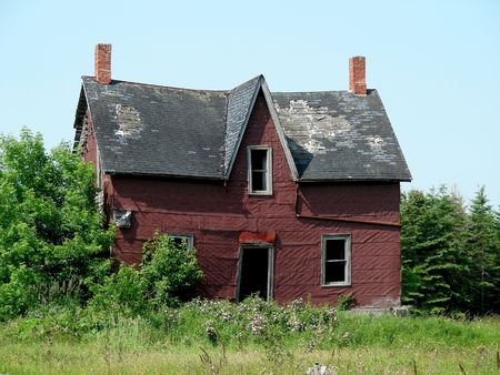 dwelling: An old farm , abandoned and falling down, southern Ontario, Canada. Stock Photo