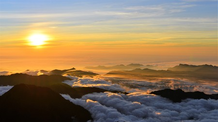 Sunset with cloud sea in yushan national park
