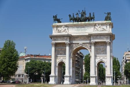 milano: Milan triumphal arch at Semione square built 1807 to commemorate  Napoleon victories