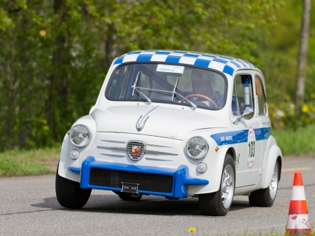 sui: MUTSCHELLEN, SWITZERLAND-APRIL 29: Vintage race touring car Fiat Abarth 850 TC from 1961 at Grand Prix in Mutschellen, SUI on April 29, 2012.  Invited were vintage sports cars and motorbikes. Editorial