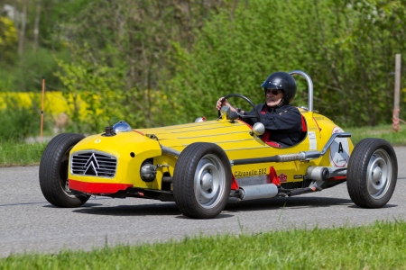 MUTSCHELLEN, SWITZERLAND-APRIL 29: Vintage race car Citro�n 2 CV Spezial from 1971 at Grand Prix in Mutschellen, SUI on April 29, 2012.  Invited were vintage sports cars and motorbikes. Stock Photo - 16860713