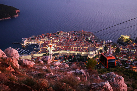 Dubrovnik Cable Car - Night time Reklamní fotografie