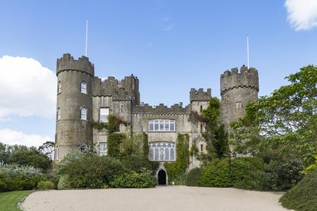 Le château de Malahide était détenu et habité par la famille Talbot depuis près de 800 ans, du 12ème siècle à 1976. Banque d'images - 84165856