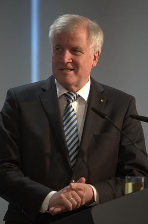 27. März 2017 - München - CSU Pressekonferenz - Horst Seehofer, CSU-Vorsitzender und Bayerischer Ministerpräsident Standard-Bild - 76719851