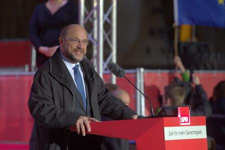 14.09.2017 Marienplatz München - Martin Schmid, SPD-Parteivorsitzender und Kanzlerkandidat, hält eine Rede Standard-Bild - 86019195