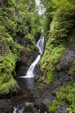 ess: Ess Na Larach Waterfall