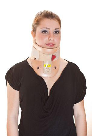 cervicales: Mujer rubia con protector de decollete del cuello vistiendo, sonriendo a la c�mara, vista frontal