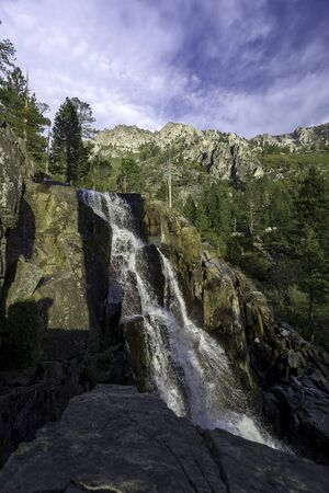 Lower Eagle Falls, SOUTH LAKE TAHOE, CA –September 27, 2017: An early morning autumn image of Lower Eagle Falls located at Emerald Bay – Lake Tahoe. Banco de Imagens