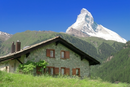 house against the mountain Matterhorn