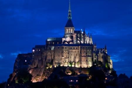 mont saint michel: The Mont Saint Michel at evening