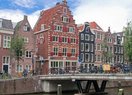 instability: typical Amsterdam houses