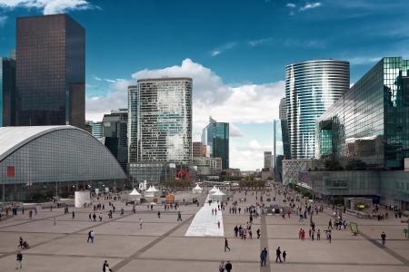 Bâtiment moderne de grande hauteur. Paris. Défense Banque d'images - 23396607