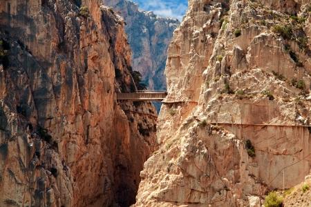 峡谷チョロ、マラガ県スペインでロイヤル トレイル (エル ・ カミニート ・ デル ・ レイ)