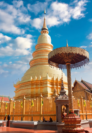 that: temple Phra That Hariphunchai in Lamphum, Province Chang Mai, Thailand