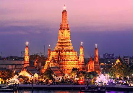 タイ ・ バンコク ワットアルン ・暁の寺