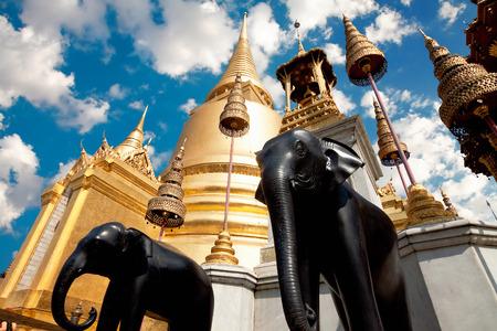 opulence: Temple  Phra Kaew, Bangkok, Thailand