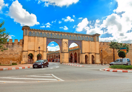 mausoleum: Decorative gate of the Sultan Moulay Ismail Mausoleum in Meknes, Morocco