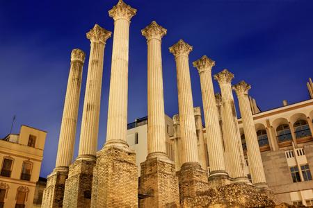 Roman temple: ruins of ancient roman temple in night. Cordoba, Spain Foto de archivo